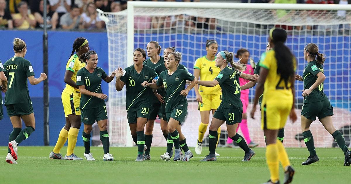2019 fifa women s world cup australia s sam kerr scores a great header early vs