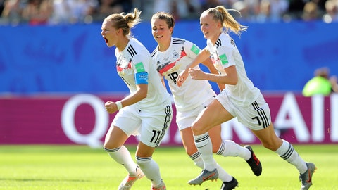 GRENOBLE, FRANCE - JUNE 22: Alexandra Popp of Germany celebrates after scoring her team's first goal during the 2019 FIFA Women's World Cup France Round Of 16 match between Germany and Nigeria at Stade des Alpes on June 22, 2019 in Grenoble, France. (Photo by Elsa/Getty Images)