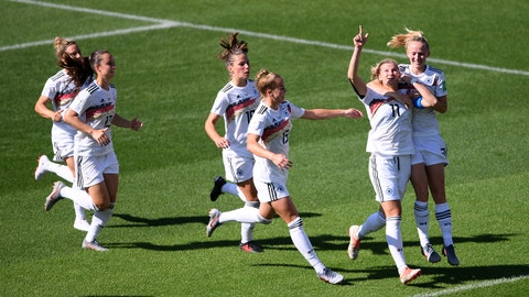 GRENOBLE, FRANCE - JUNE 22: Alexandra Popp of Germany celebrates with teammates after scoring her team's first goal during the 2019 FIFA Women's World Cup France Round Of 16 match between Germany and Nigeria at Stade des Alpes on June 22, 2019 in Grenoble, France. (Photo by Laurence Griffiths/Getty Images)