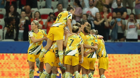 NICE, FRANCE - JUNE 22: Elise Kellond-Knight of Australia celebrates with teammates after scoring her team's first goal during the 2019 FIFA Women's World Cup France Round Of 16 match between Norway and Australia at Stade de Nice on June 22, 2019 in Nice, France. (Photo by Richard Heathcote/Getty Images)