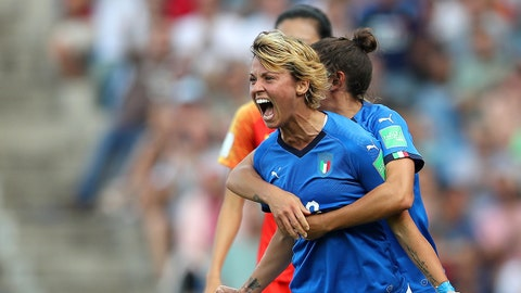 MONTPELLIER, FRANCE - JUNE 25: Valentina Giacinti of Italy celebrates after scoring her team's first goal during the 2019 FIFA Women's World Cup France Round Of 16 match between Italy and China at Stade de la Mosson on June 25, 2019 in Montpellier, France. (Photo by Naomi Baker - FIFA/FIFA via Getty Images)