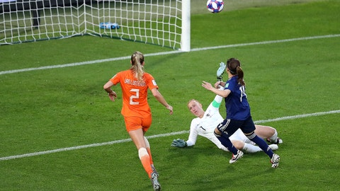 RENNES, FRANCE - JUNE 25: Yui Hasegawa of Japan scores her team's first goal during the 2019 FIFA Women's World Cup France Round Of 16 match between Netherlands and Japan at Roazhon Park on June 25, 2019 in Rennes, France. (Photo by Maja Hitij/Getty Images)