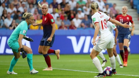 LE HAVRE, FRANCE - JUNE 27: Ellen White of England scores her team's second goal during the 2019 FIFA Women's World Cup France Quarter Final match between Norway and England at Stade Oceane on June 27, 2019 in Le Havre, France. (Photo by Richard Heathcote/Getty Images)