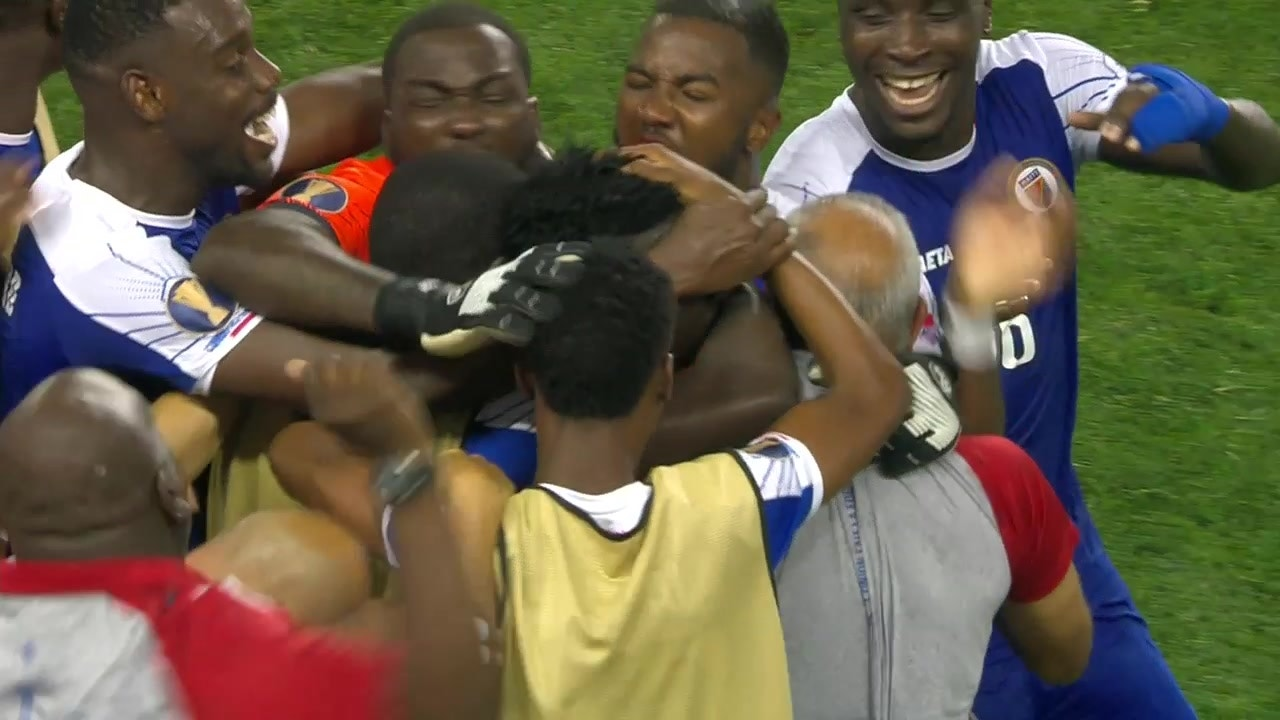 quality design 22ea8 fc148 Djimy Alexis sends Haiti into a frenzy with go-ahead goal in 81st minute |  2019 CONCACAF Gold Cup Highlights