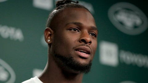 <p>               In this Tuesday,  June 4, 2019, photo, New York Jets running back Le'Veon Bell speaks to reporters at the team's NFL football training facility in Florham Park, N.J. Authorities say two female acquaintances stole more than half a million dollar in jewelry from Bell at his Florida home. (AP Photo/Julio Cortez)             </p>