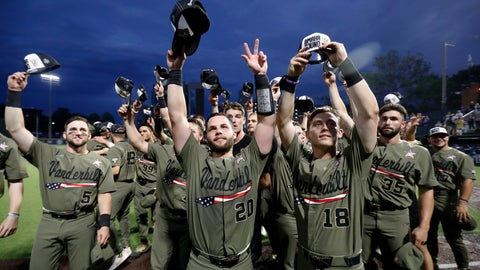 <p>               Vanderbilt's Philip Clarke (5), Ty Duvall (20), Pat DeMarco (18) and the rest of the team tip their hats to fans after an NCAA college super regional baseball game against Duke Sunday, June 9, 2019, in Nashville, Tenn. Vanderbilt won 13-2 to advance. (AP Photo/Wade Payne)             </p>