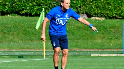 <p>               Italian national soccer team coach, Roberto Mancini, leads a training session ahead of Saturday's European Championship, Group J qualifying match against Greece, at Coverciano Sport Center, near Florence, Italy, Tuesday, June 4, 2019. (Claudio Giovannini/ANSA via AP)             </p>