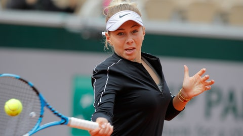 <p>               Amanda Anisimova of the U.S. plays a shot against Australia's Ashleigh Barty during their semifinal match of the French Open tennis tournament at the Roland Garros stadium in Paris, Friday, June 7, 2019. (AP Photo/Michel Euler)             </p>
