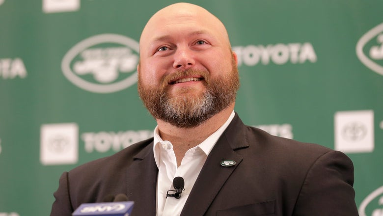 Jets' Douglas fills out staff with Hogan, Savage, Alexander