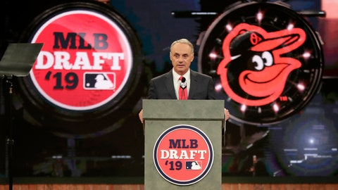 <p>               Major League Baseball Commissioner Rob Manfred announces Adley Rutschman, a catcher from Oregon State University, as the No. 1 selection by the Baltimore Orioles in the first round of the Major League Baseball draft, Monday, June 3, 2019, in Secaucus, N.J. (AP Photo/Julio Cortez)             </p>