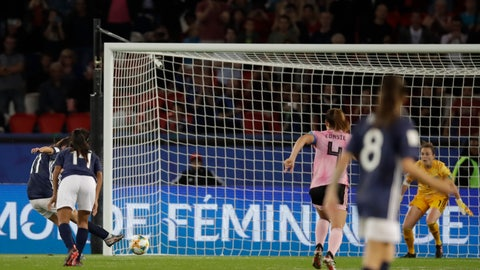 <p>               Argentina's Florencia Bonsegundo, left, shoots a penalty kick to score an equaliser goal during the Women's World Cup Group D soccer match between Scotland and Argentina at Parc des Princes in Paris, France, Wednesday, June 19, 2019. Bonsegundo scored in the extra time and the match ended in a 3-3 draw. (AP Photo/Alessandra Tarantino)             </p>