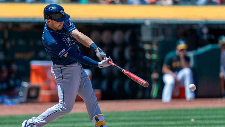 Rays' hot bats explode to beat A's 8-2, earn series split