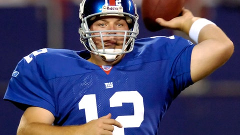 <p>               FILE - In this Aug. 17, 2006, file photo, New York Giants quarterback Jared Lorenzen passes the ball in the fourth quarter against the Kansas City Chiefs during an NFL preseason football game in East Rutherford, N.J. Lorenzen, a husky left-handed quarterback who set multiple Kentucky passing and offensive records before backing up Eli Manning on the Giants' Super Bowl-winning 2007 team, has died. He was 38. A release from the school said Lorenzen's family announced his death on Wednesday, (AP Photo/Bill Kostroun, File)             </p>