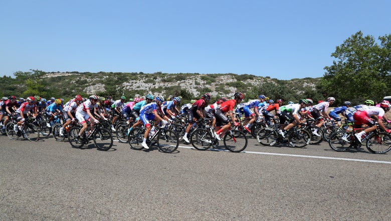 2 riders kicked out of Tour de France after altercation
