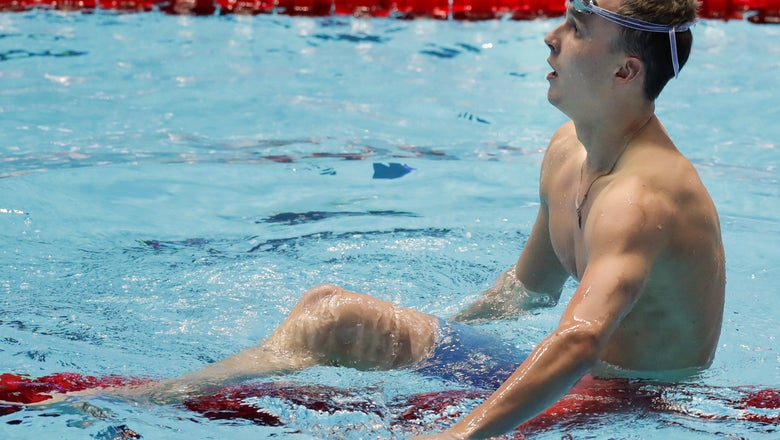 Anton Chupkov sets world record in men's 200 breaststroke
