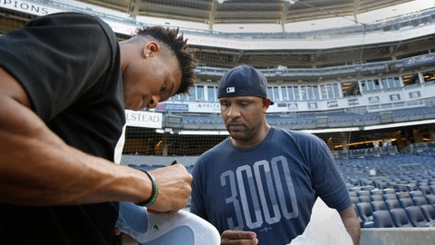 <p>               Milwaukee Bucks forward and 2019 NBA Most Valuable Player Giannis Antetokounmpo, left, signs shoes for New York Yankees starting pitcher CC Sabathia before a baseball game between the Yankees and the Tampa Bay Rays, Monday, July 15, 2019, in New York. (AP Photo/Kathy Willens)             </p>