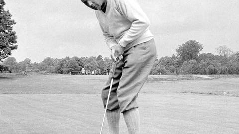 <p>               FILE - In this June 9, 1960, file photo, Max Faulkner putts at Wentworth Club in Virginia Water, England. The British Open returns to Royal Portrush on July 18-21, 2019, for the first time since 1951, the only other time golf's oldest championship as been held outside Scotland or England. Max Faulkner won his only major on a rainy final day in Northern Ireland. (AP Photo/File)             </p>