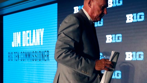 <p>               Big Ten Commissioner Jim Delany walks away from the podium at the Big Ten Conference NCAA college football media days Thursday, July 18, 2019, in Chicago. Delany will retire on Jan. 1, 2020, with Minnesota Vikings executive Kevin Warren succeeding him. (AP Photo/Charles Rex Arbogast)             </p>