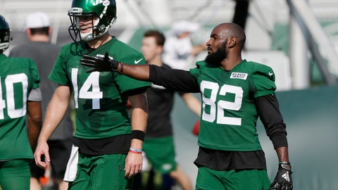 <p>               New York Jets Jamison Crowder, right, talks with quarterback Sam Darnold during practice at the NFL football team's training camp in Florham Park, N.J., Thursday, July 25, 2019. (AP Photo/Seth Wenig)             </p>