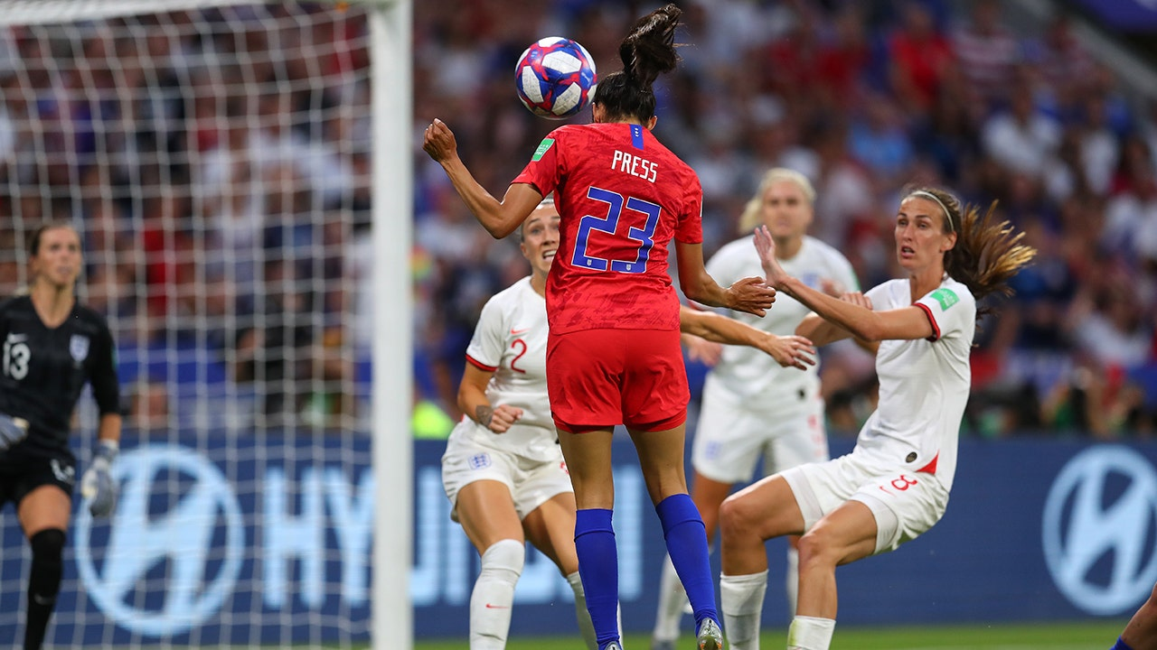 2019 FIFA Women's World Cup™: Christen Press' perfect header gets United  States on the board first | HIGHLIGHTS