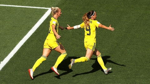 NICE, FRANCE - JULY 06: Kosovare Asllani of Sweden celebrates with teammate Sofia Jakobsson after scoring her team's first goal during the 2019 FIFA Women's World Cup France 3rd Place Match match between England and Sweden at Stade de Nice on July 06, 2019 in Nice, France. (Photo by Robert Cianflone/Getty Images)