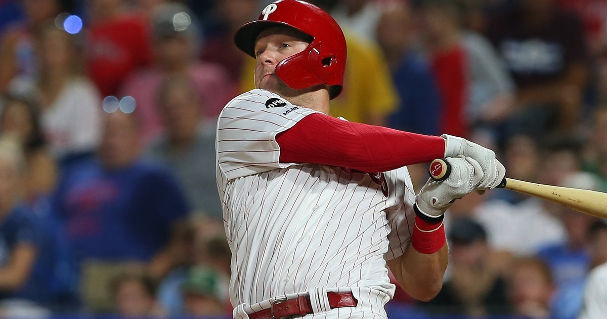 Hoskins 11th inning homer wins it for the Phillies