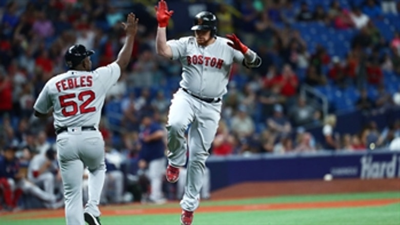 Vazquez's 7th inning solo shot helps Red Sox edge Rays
