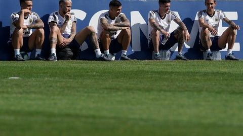 <p>               Argentina's soccer players, from left, Lautaro Martinez Nicolas Otamendi, Leandro Paredes, Rodrigo De Paul and Angel Di Maria relax during a practice session in Rio de Janeiro, Brazil, Saturday, June 29, 2019. (AP Photo/Leo Correa)             </p>