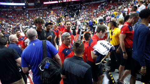 <p>               Players and staff leave the court after an earthquake during an NBA summer league basketball game between the New York Knicks and the New Orleans Pelicans on Friday, July 5, 2019, in Las Vegas. (AP Photo/Steve Marcus)             </p>