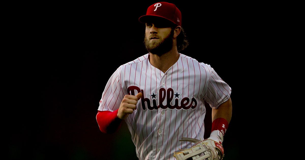 Harper stays hot as Phillies defeat Padres 8-4 | FOX Sports