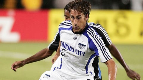 SANTA CLARA, CA - AUGUST 30:  Josh Wolff #16 of the Kansas City Wizards controls the ball during the MLS game against the San Jose Earthquakes at Buck Shaw Stadium on August 30, 2008 in Santa Clara, California.  (Photo by Sara Wolfram/MLS via Getty Images)
