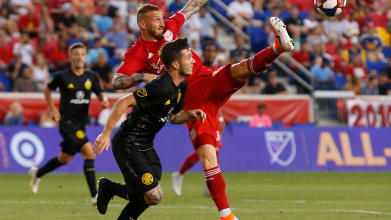 Pedro Santos scores twice, Crew beat Red Bulls 3-2