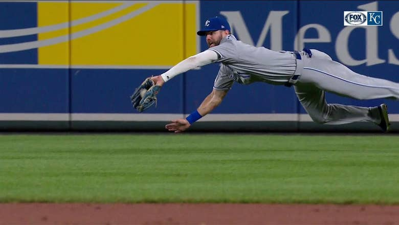 WATCH: Bubba Starling makes an amazing diving catch in right field