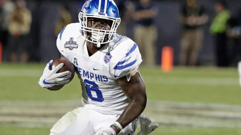 <p>               FILE -- In this Dec. 1, 2018, file photo, Memphis running back Patrick Taylor Jr. carries against Central Florida during the American Athletic Conference championship NCAA college football game in Orlando, Fla. Taylor's presence has Memphis confident it can improve upon last year's 8-6 season even as it replaces Darrell Henderson, the nation's second-leading rusher in 2018. (AP Photo/John Raoux, File)             </p>