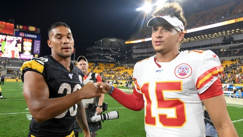<p>               Pittsburgh Steelers running back James Conner (30) shakes hands with Kansas City Chiefs quarterback Patrick Mahomes (15) after a preseason NFL football game Saturday, Aug. 17, 2019, in Pittsburgh. The Steelers won 17-7. (AP Photo/Barry Reeger)             </p>