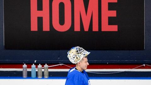 <p>               St. Louis Blues goaltender Jordan Binnington trains during the BioSteel Pro Hockey Camp at the Varsity Centre in Toronto, Tuesday, Aug. 27, 2019. (Andrew Lahodynskyj/The Canadian Press via AP)             </p>