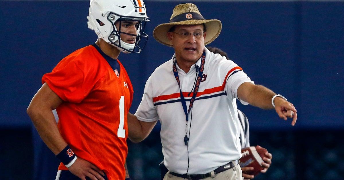 Auburn banking on young QB, Malzahn's playcalling | FOX Sports