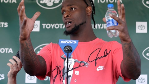 """<p>               FILE - In this July 25, 2019, file photo, New York Jets running back Le'Veon Bell speaks to reporters after a practice at the NFL football team's training camp in Florham Park, N.J. Bell was in fifth grade when he realized he couldn't shake music from his mind. """"That's when I really realized I loved music,"""" the star running back recalled in an interview with The Associated Press in the players' lobby in the New York Jets' facility.  (AP Photo/Seth Wenig, File)             </p>"""
