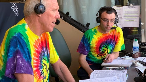 <p>               Bill Walton does commentary on NBC Sports Chicago for the Chicago White Sox's baseball game against the Los Angeles Angels on Friday, Aug. 16, 2019, in Anaheim, Calif. Walton was calling the game on an invitation from the White Sox and announcer Jason Benetti, right. (AP Photo/Joe Reedy)             </p>