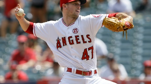 <p>               Los Angeles Angels starting pitcher Griffin Canning throws to a Chicago White Sox batter during the first inning of a baseball game in Anaheim, Calif., Sunday, Aug. 18, 2019. (AP Photo/Alex Gallardo)             </p>