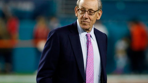 <p>               FILE - In this Dec. 11, 2017, file photo, Miami Dolphins owner Stephen M. Ross watches his team before an NFL football game against the New England Patriots in Miami Gardens, Fla.  Ross is defending his support of longtime friend Donald Trump after being criticized about it by one of his players. (AP Photo/Wilfredo Lee, File)             </p>