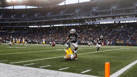 <p>               Green Bay Packers' Equanimeous St. Brown (19) misses the pass in the modified end zone as Oakland Raiders' Keisean Nixon (38) defends during the first half of an NFL preseason football game Thursday, Aug. 22, 2019, in Winnipeg, Manitoba. (John Woods/The Canadian Press via AP)             </p>