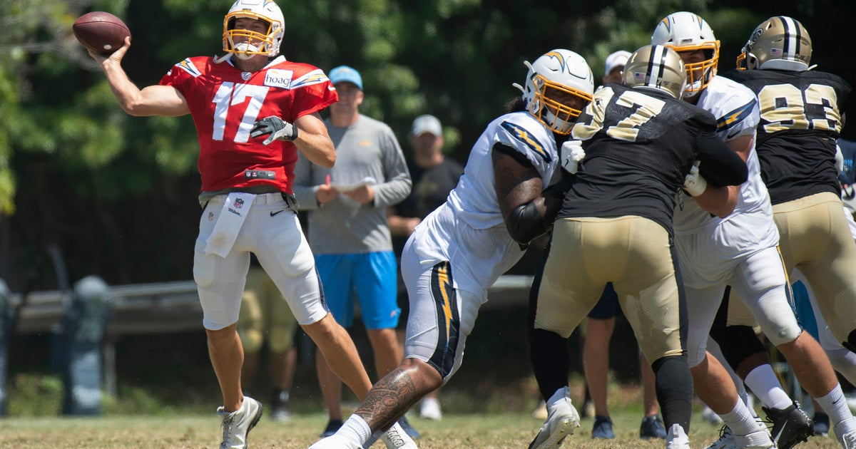 Close friends Brees and Rivers get to share practice field | FOX Sports