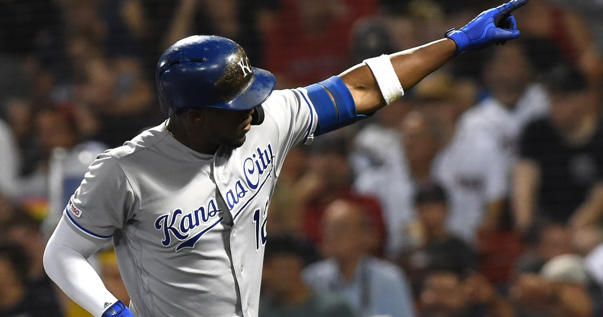Soler's offensive barrage earns him AL Player of the Week honors   FOX Sports