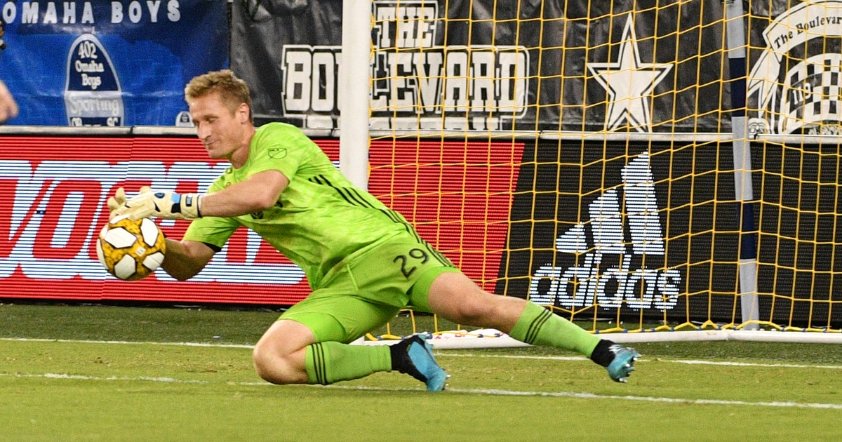 Sporting KC goalkeeper Melia signs contract extension through 2022 | FOX Sports
