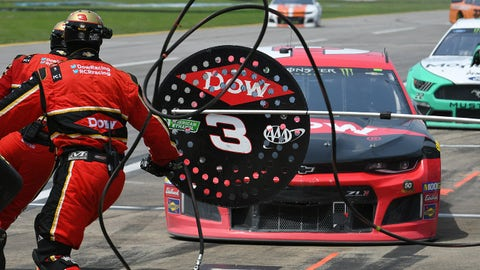 TALLADEGA, AL - APRIL 28: Austin Dillon, Richard Childress Racing, Chevrolet Camaro Dow (3) during a pit stop in the Monster Energy Cup Series Geico 500 on April 28, 2019, at Talladega Super speedway in Talladega, AL.(Photo by Jeffrey Vest/Icon Sportswire via Getty Images)