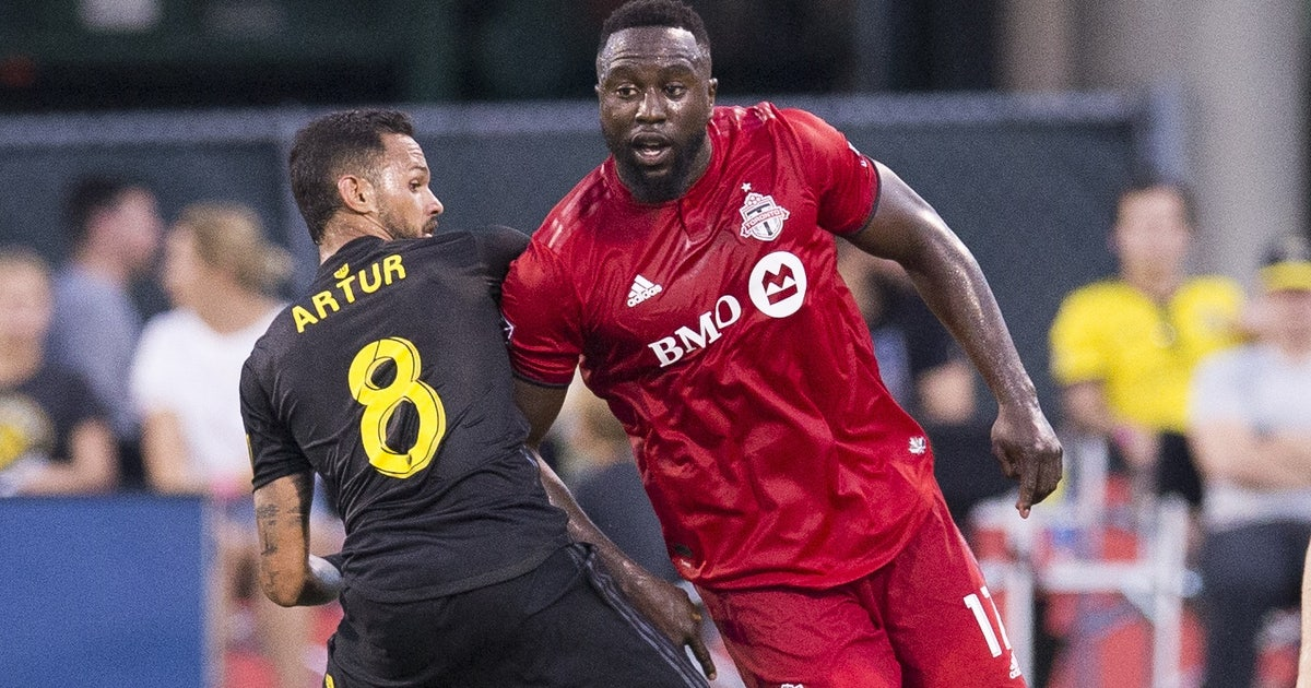 Altidore scores in 90th to give Toronto FC 2-2 tie with Crew | FOX Sports