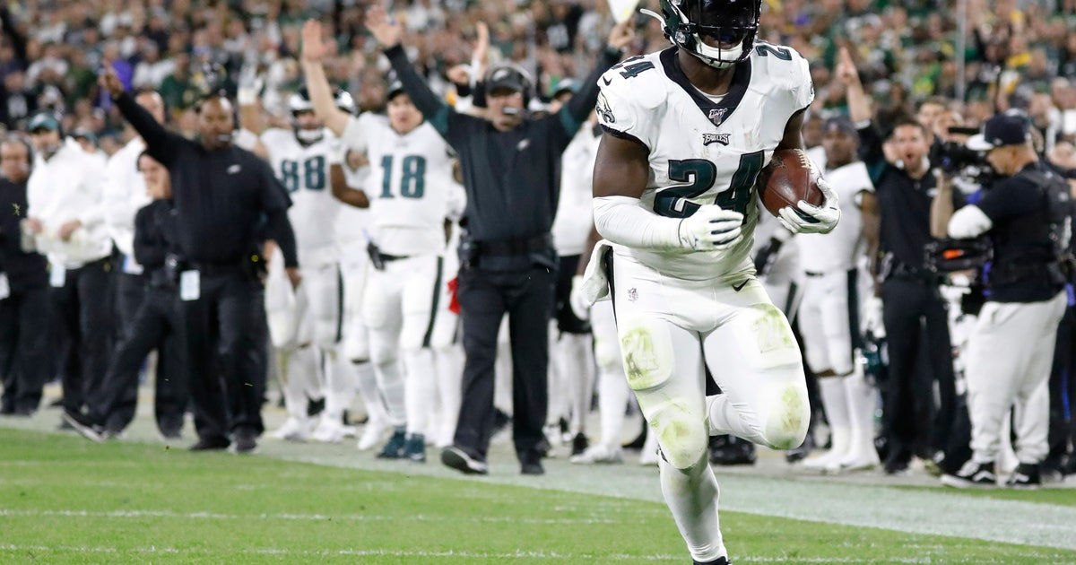 Eagles turn to run game for big victory