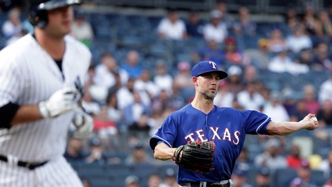 <p>               Texas Rangers pitcher Mike Minor, right, throws out New York Yankees designated hitter Mike Ford during the first inning of a baseball game Monday, Sept. 2, 2019, in New York. (AP Photo/Adam Hunger)             </p>