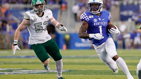 <p>               Kentucky wide receiver Lynn Bowden Jr. (1) runs with the ball during the first half of an NCAA college football game between Kentucky and Eastern Michigan, Saturday, Sept. 7, 2019, in Lexington, Ky. (AP Photo/Bryan Woolston)             </p>